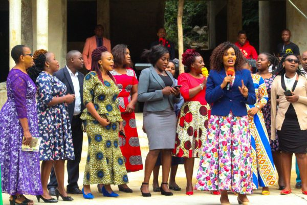 Singing during prayer day